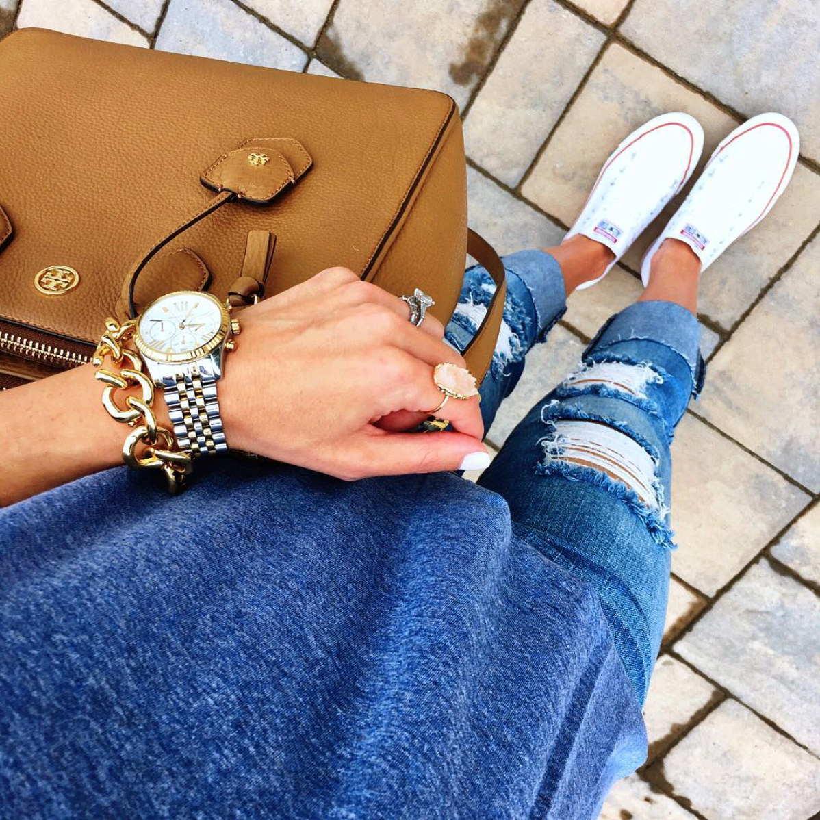 Ripped Jeans Converse