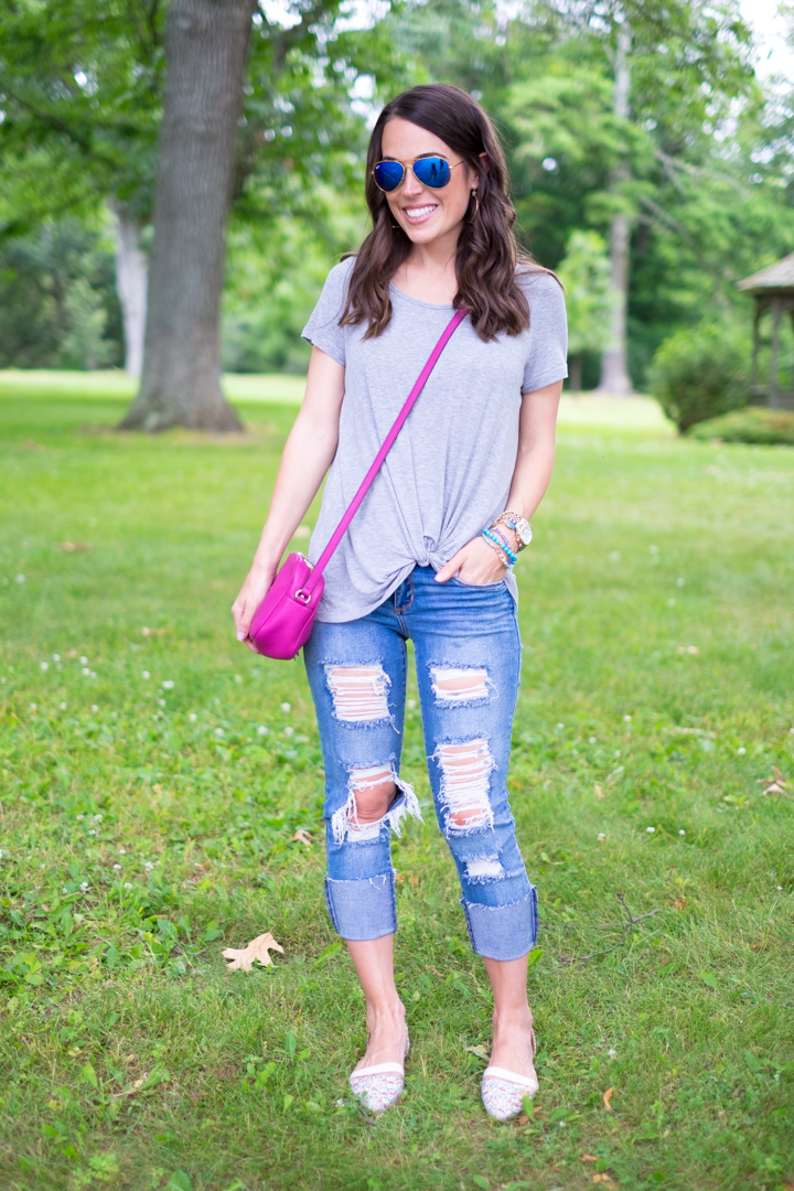 Summertime Casual outfit destroyed jeans mrscasual style blog