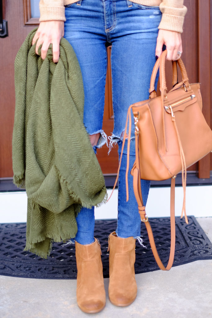 bp-green-scarf