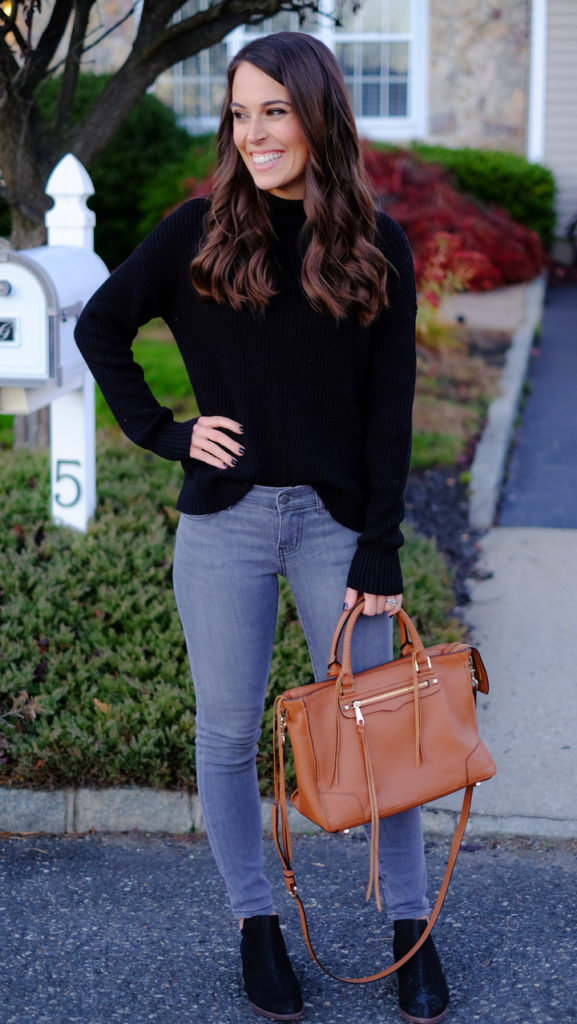 black-sweater-and-gray-jeans-outfit