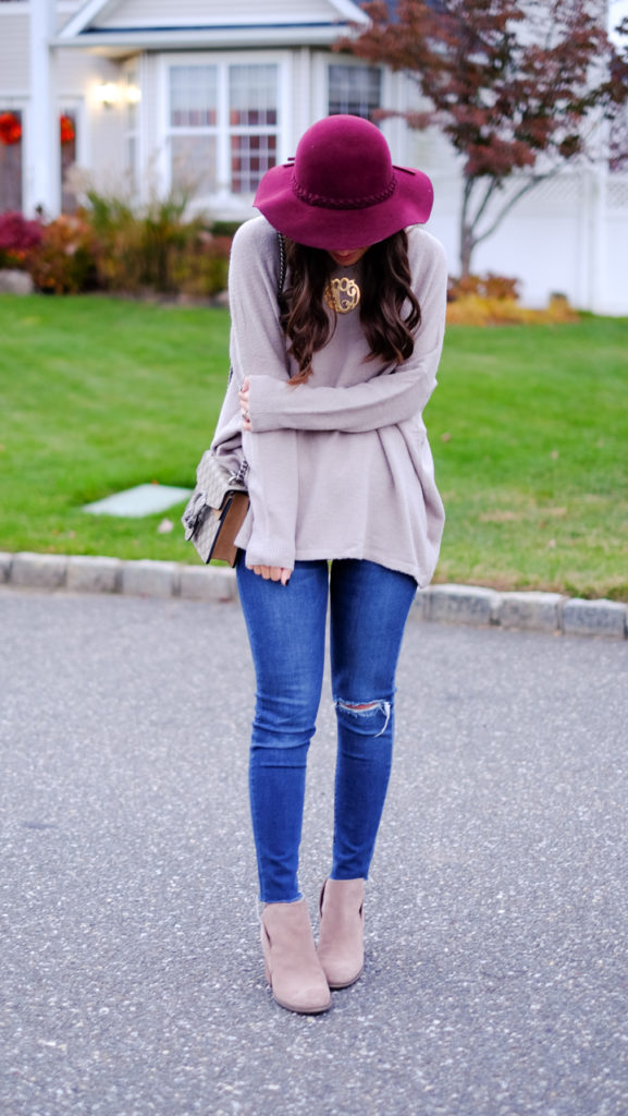 casual-fall-outfit-floppy-hat