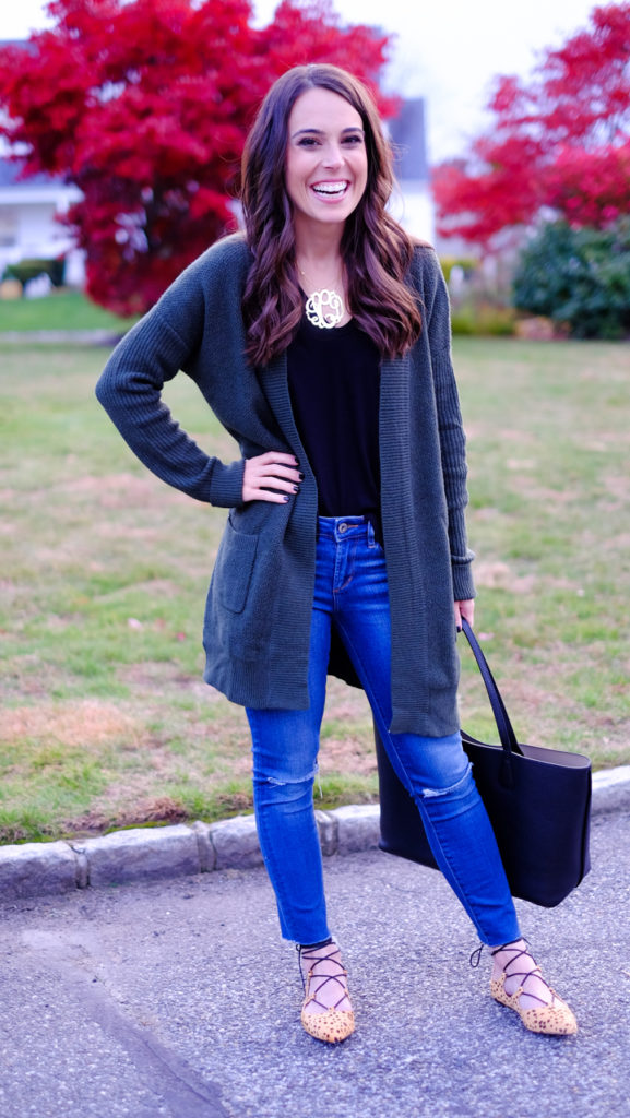 green-cardigan-and-leopard-flats-outfit