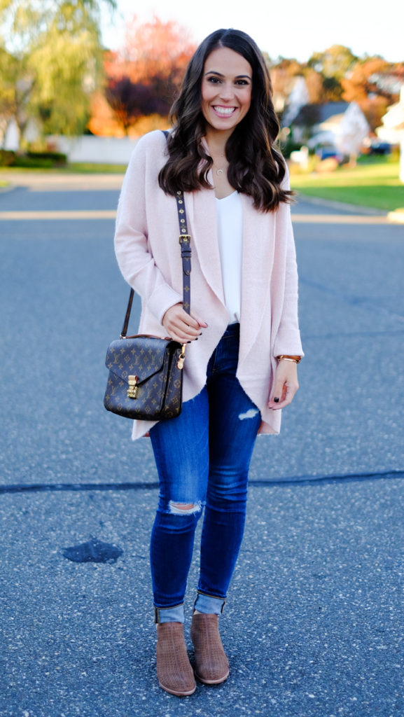 pink-cardigan-outfit