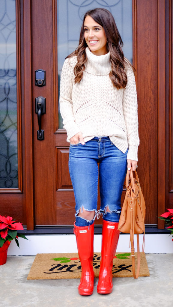 casual-holiday-outfit-red