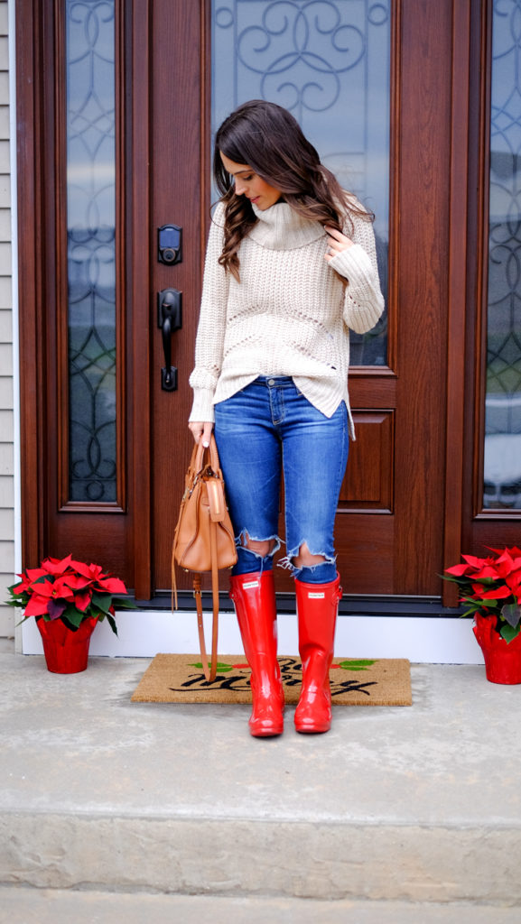 holiday-outfit-red-hunter-boots