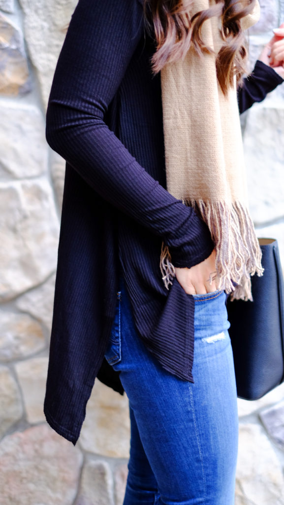 black-and-tan-scarf-outfit