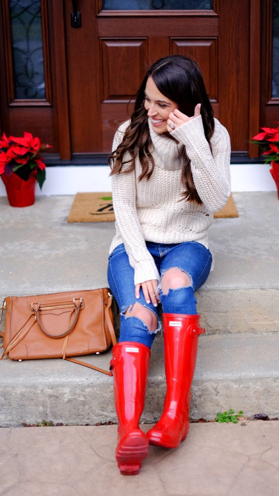 red-glossy-hunter-boots-winter-look