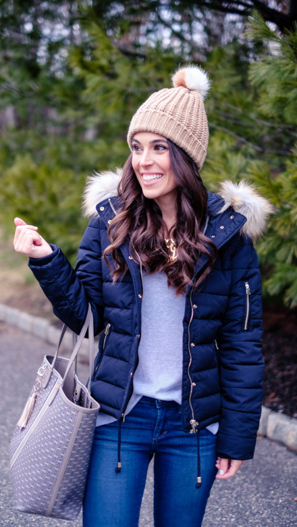 navy puffer jacket outfit