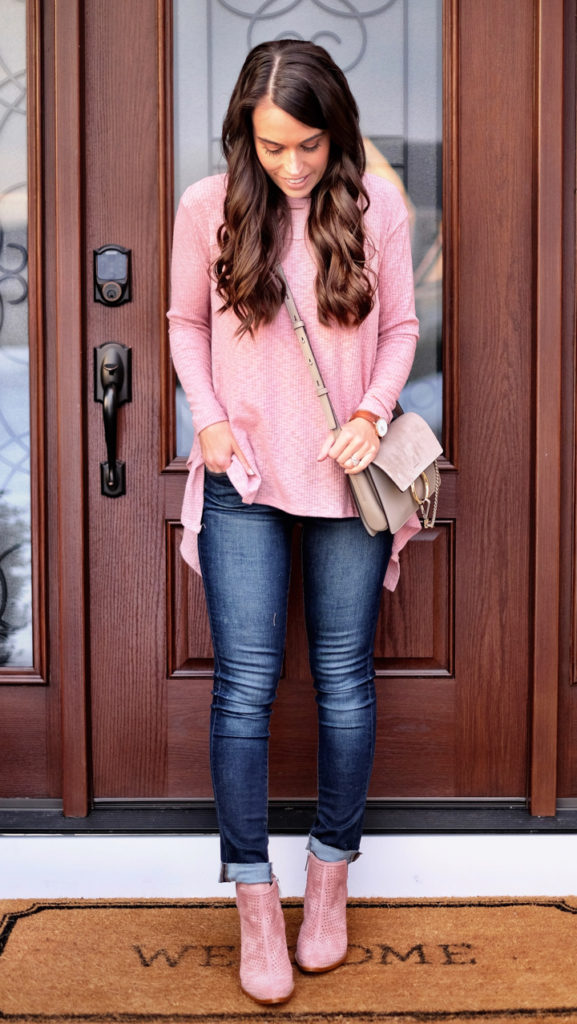 Pink top outfit idea
