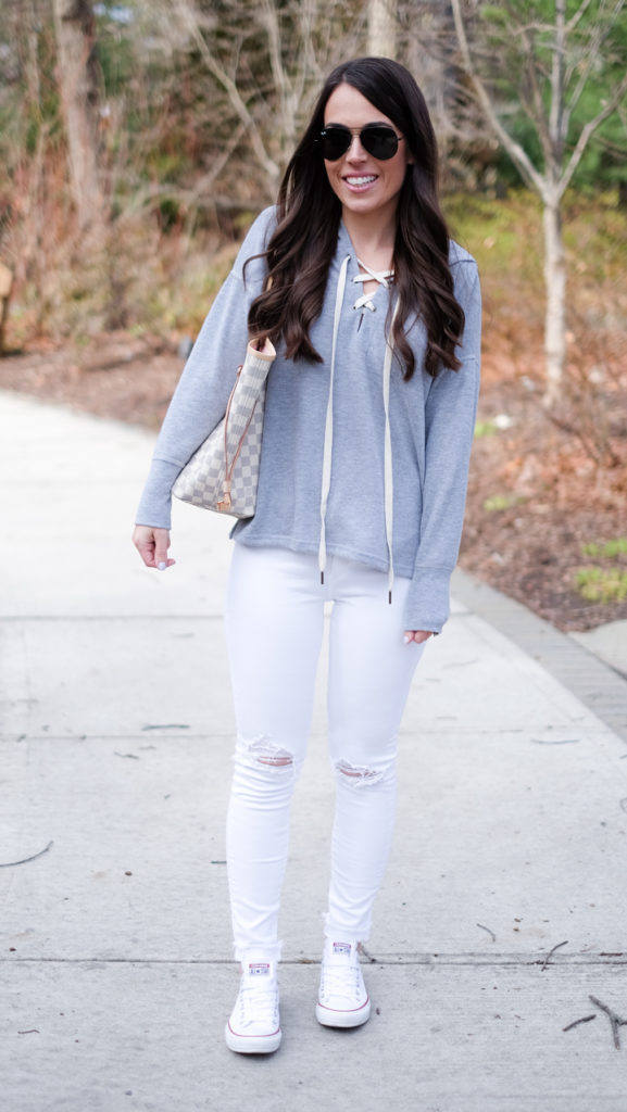 Gray sweatshirt outfit