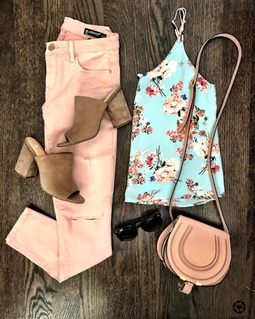 floral cami and pink jeans outfit