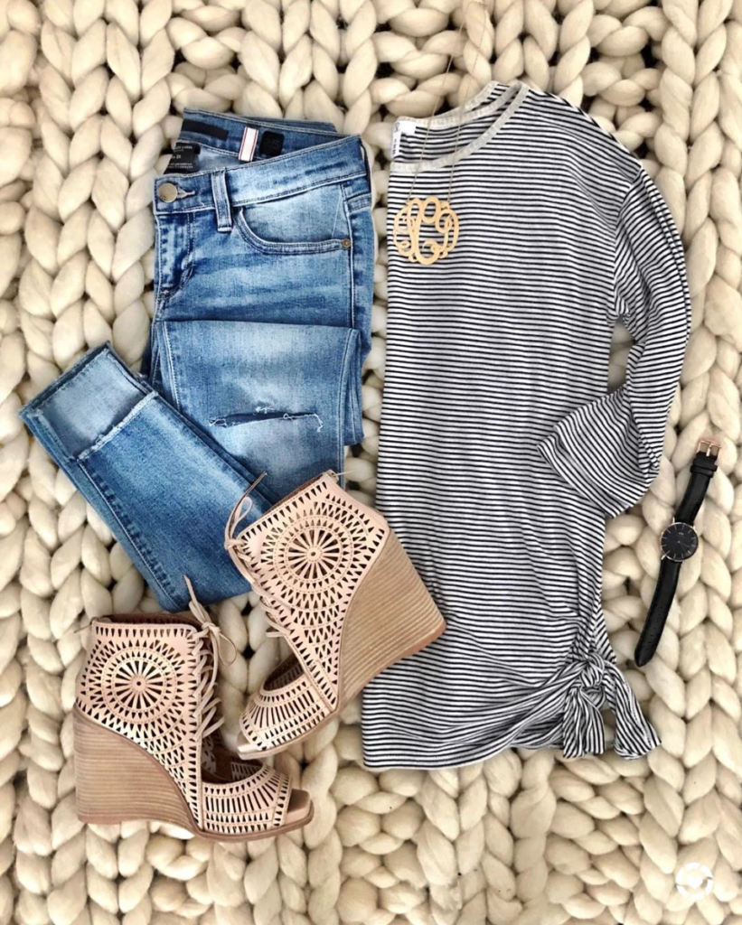 striped knotted tee outfit