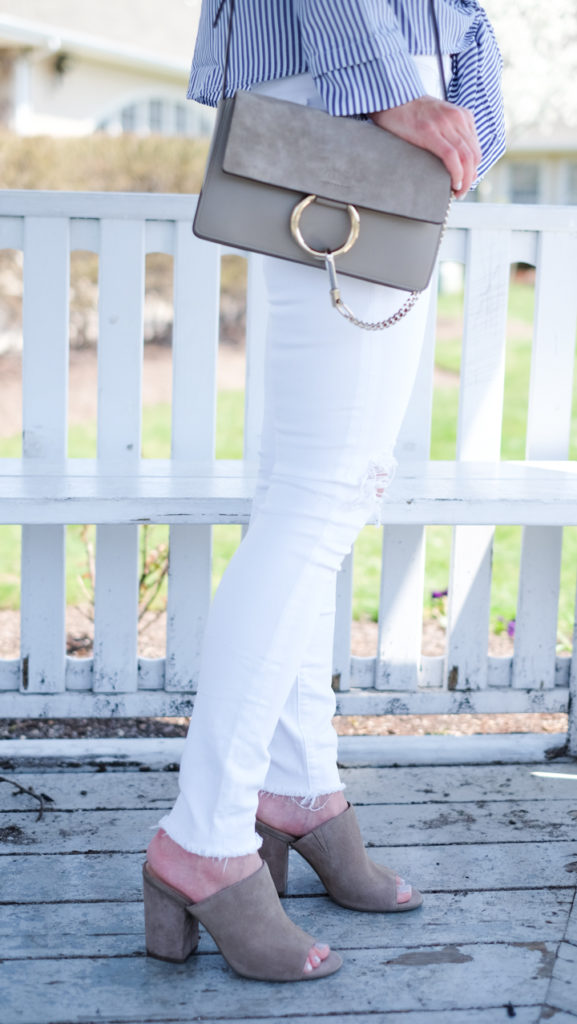 white jeans and mule sandals outfit