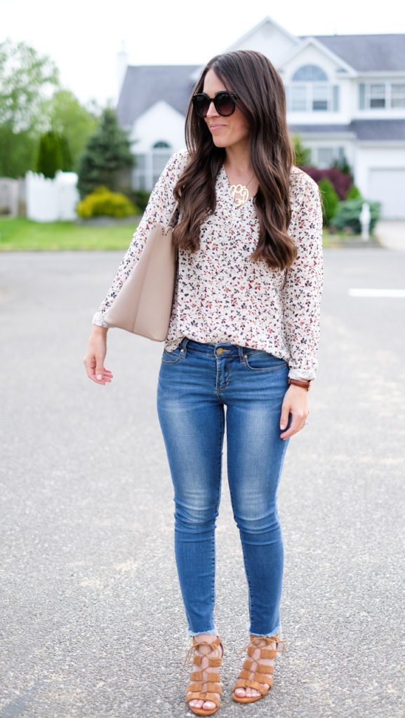 casual outfit scallop tote