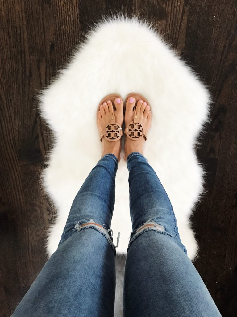 5 Best Flat Sandals For Summer Mrscasual