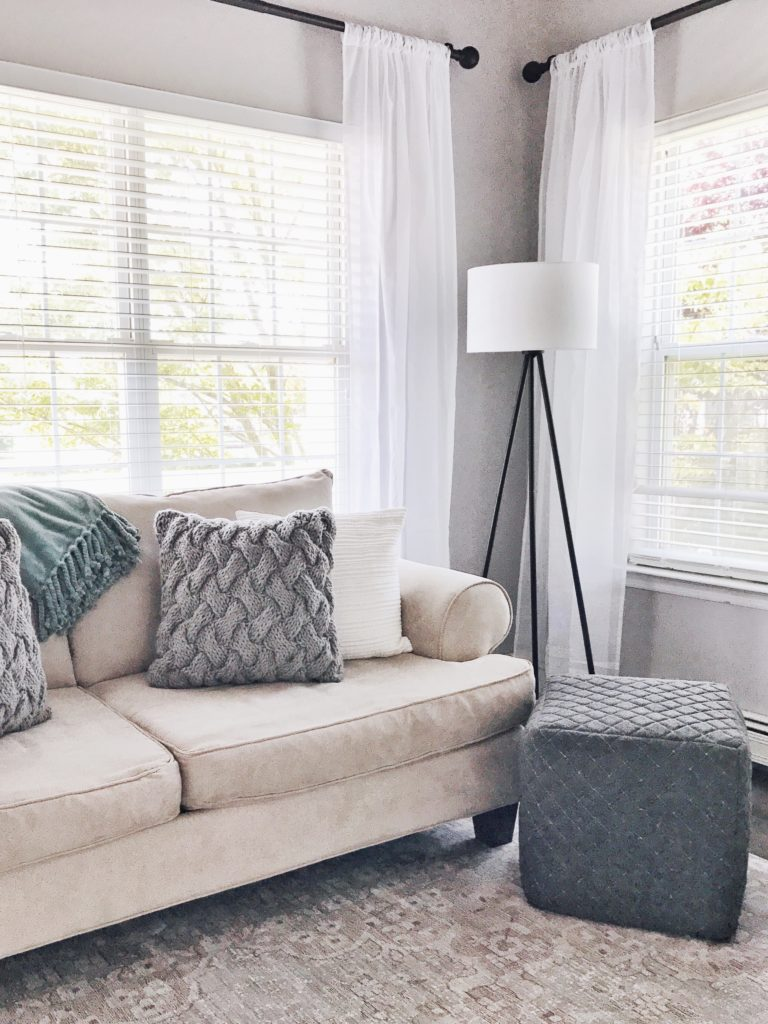 White And Gray Living Room 5