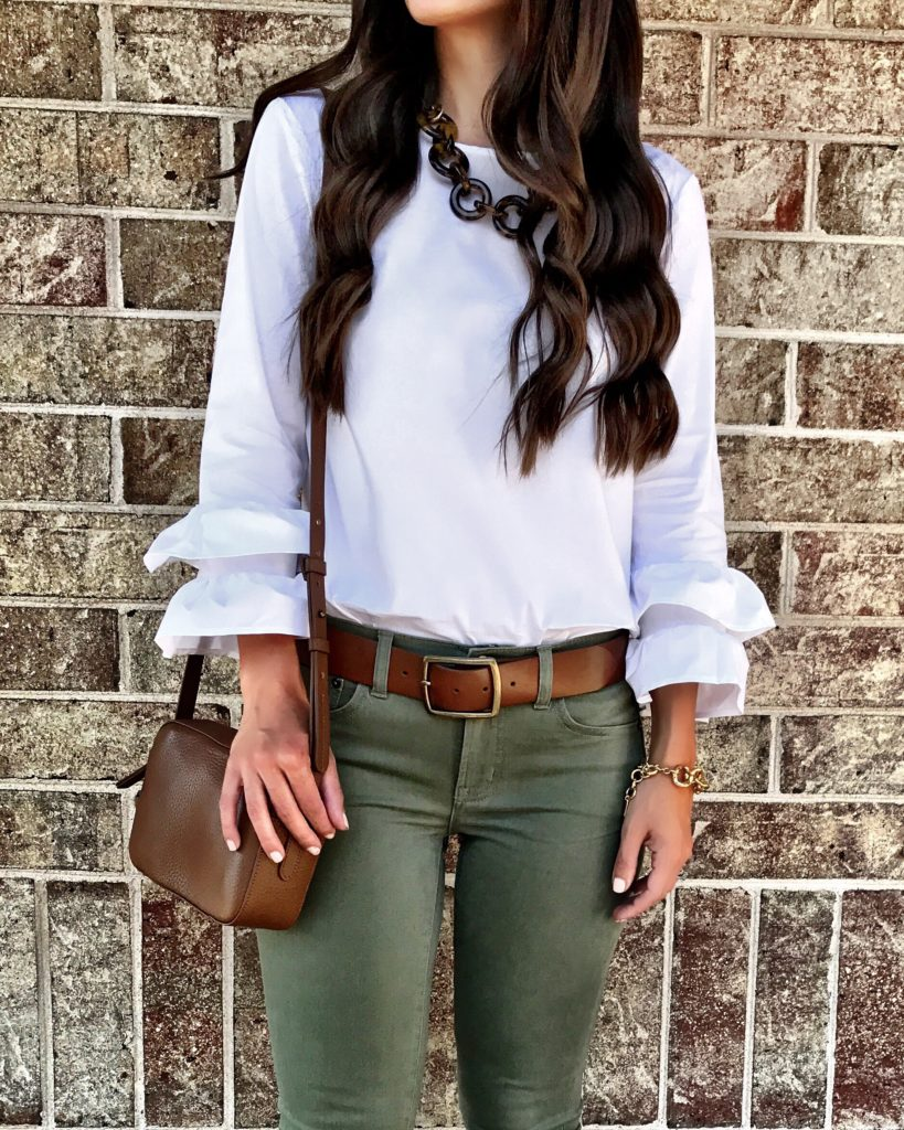 white ruffle sleeve top outfit